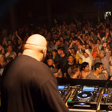 Review of DJ Sneak & Mark Farina at Nordic Trax 15th Anniversary [mix + videos]